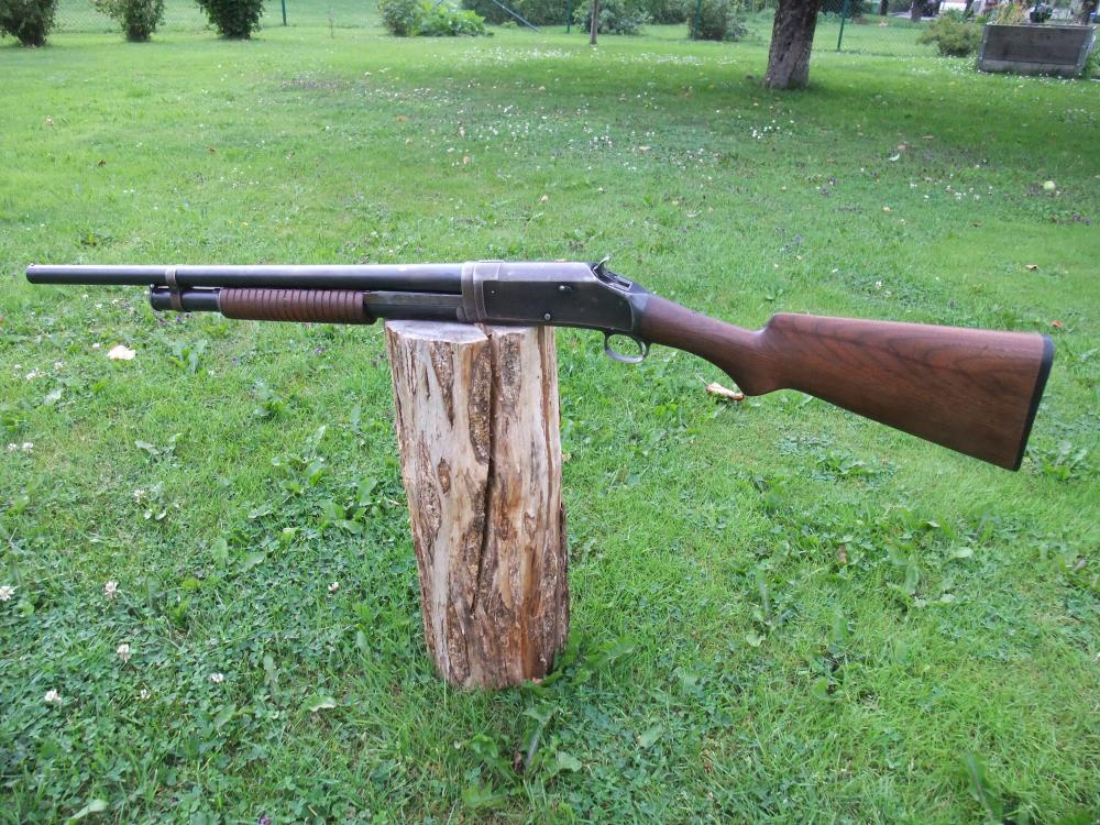 Winchester 1897 001.JPG